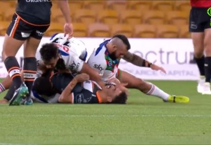 Disaster for Tigers as Daine Laurie suffers nasty injury 45 seconds into match