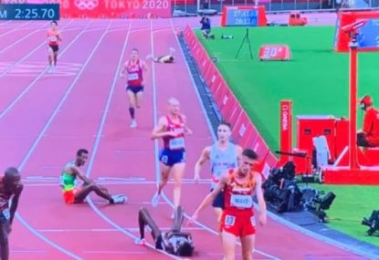 'As brave as you'll see': Aussie collapses twice in brutal track final, bravely fights on to finish