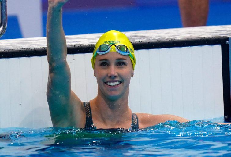 Emma McKeon celebrates after winning the Women's 50m Freestyle Final.