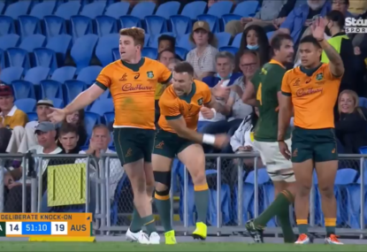 Nic White goes troppo as Bok's deliberate knock-on stops promising build up