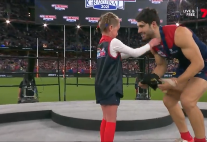 WATCH: Auskicker's heartwarming exchange with Christian Petracca at medal presentation