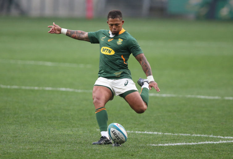 Elton Jantjies of South Africa takes a penalty kick