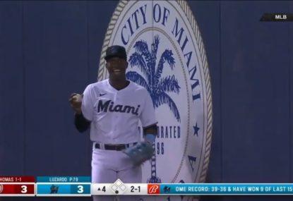 US commentators go nuts as baseballer takes standard cricket catch