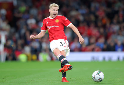 Why Manchester United need to experiment with Donny van de Beek as a holding midfielder