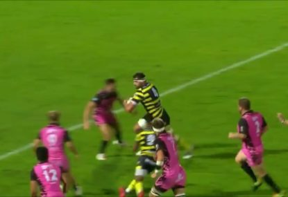Luck, or filth? Ridiculous Hail Mary pass sets up winning try in French second-tier