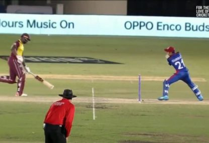 Andre Russell receives a massive let-off despite his lethargic running between wickets
